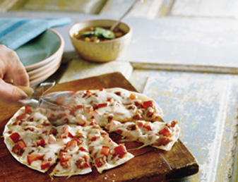 barbecued-chicken-tortilla-pizzas