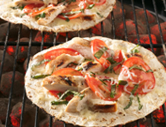 grilled-chicken-margherita-pizzas
